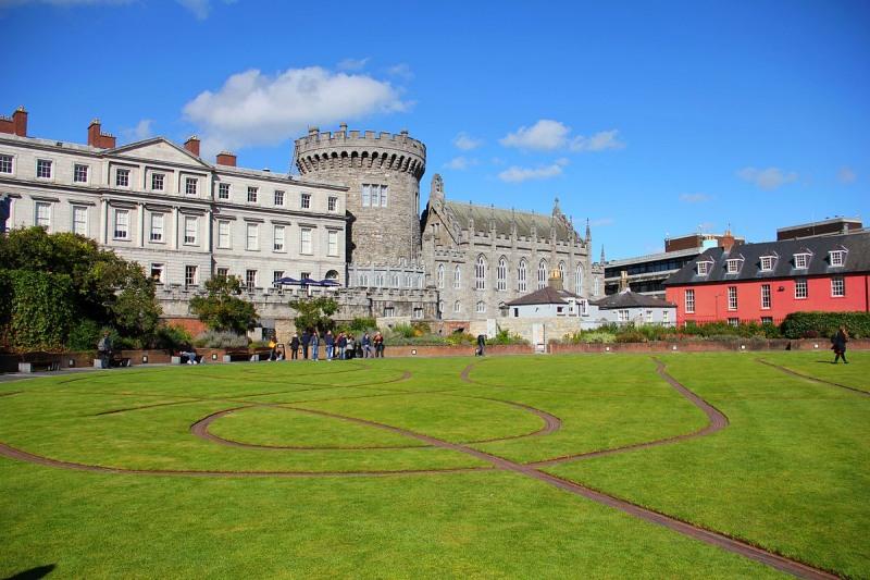 BIG_The_Dubhlinn_Gardens_Dublin_Castle_01_1532003262642_15434847741201